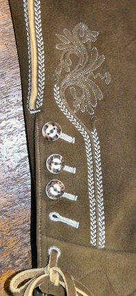 Beige bestickte Bundhose - Detail