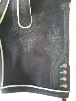 Grün bestickte kurze Hose - Detail